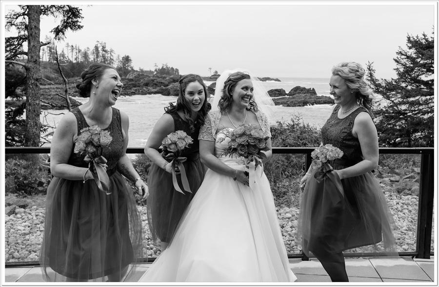 Ucluelet Lighthouse wedding photo