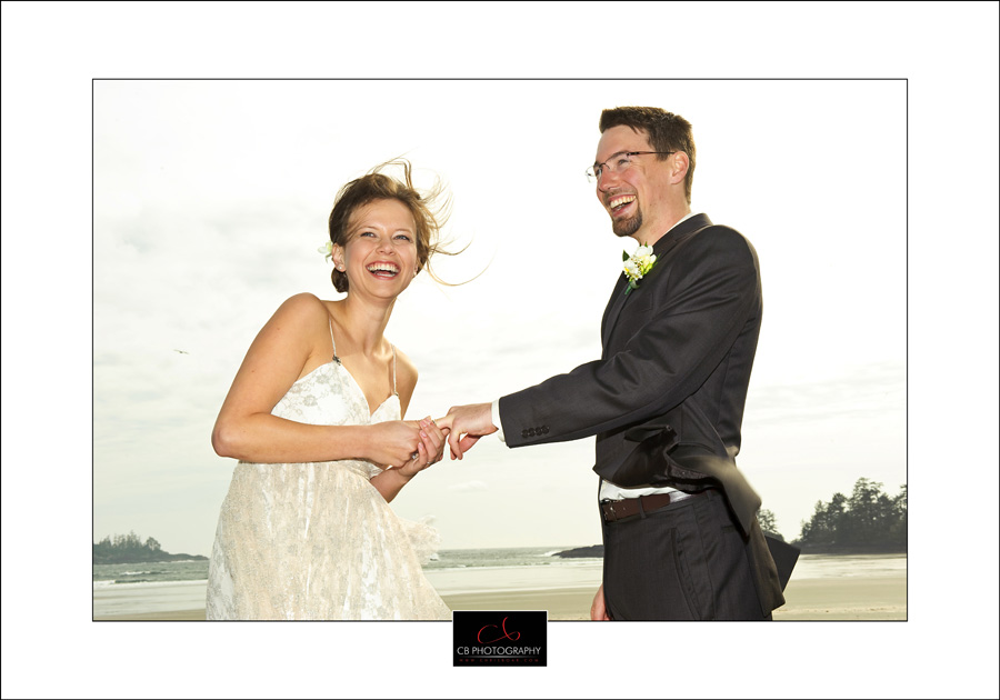 Tofino Chesterman beach wedding photo td5