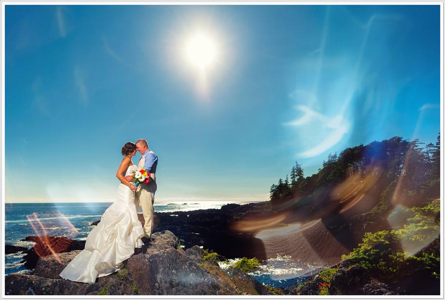 Wild Pacific Trail wedding bride & Groom