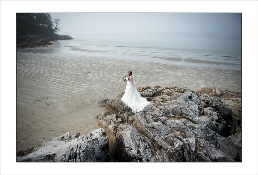 Tofino Tonquin beach wedding photo S&W 1