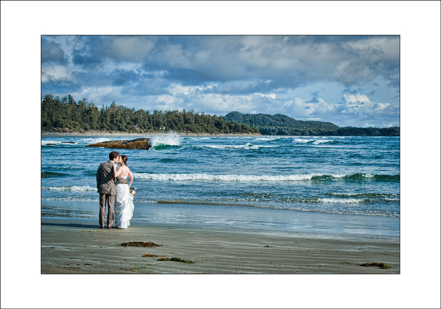 wickaninnish inn wedding photo