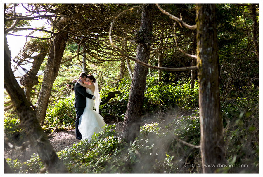 bride-groom-wild-pacific-trail