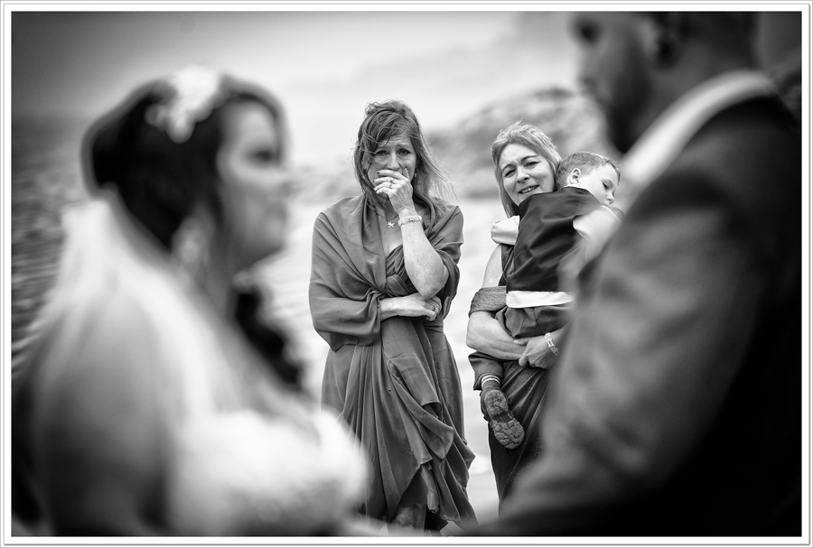 emotional-mothers-wedding-ceremony
