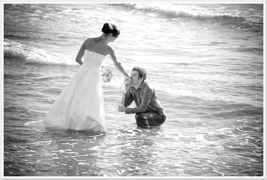 wet-groom-in-sea-tofino
